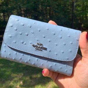 Authentic Coach Ostrich Embossed snap wallet 🦋